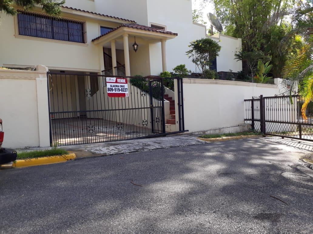 Hermosa casa en Cuesta Hermosa a la venta