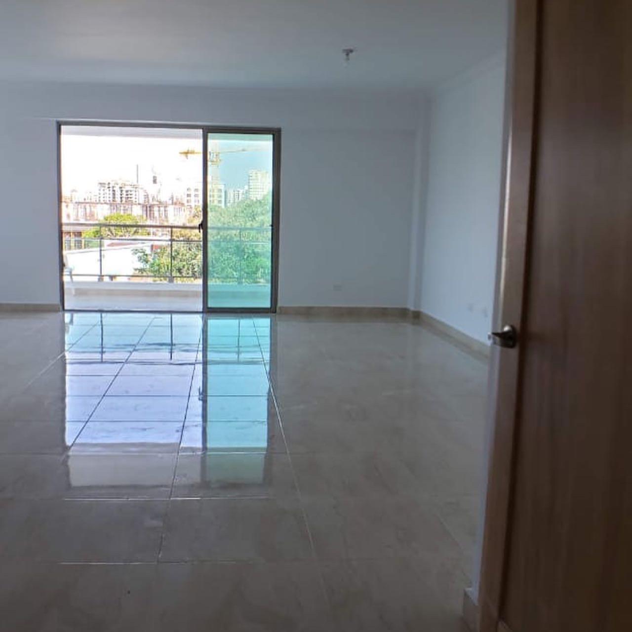 Amplio Apartamento en Julieta Morales (Proximo a Los Prados)