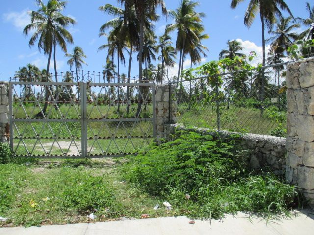 Land Lot for Sale only 350 meter from the Beach in Bavaro