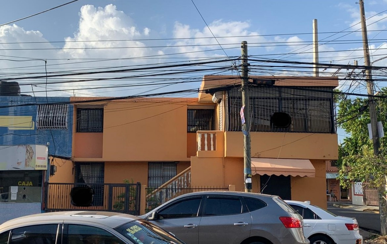 Casa Local en la misma Carretera Mella, Ideal para cualquier tipo de negocio