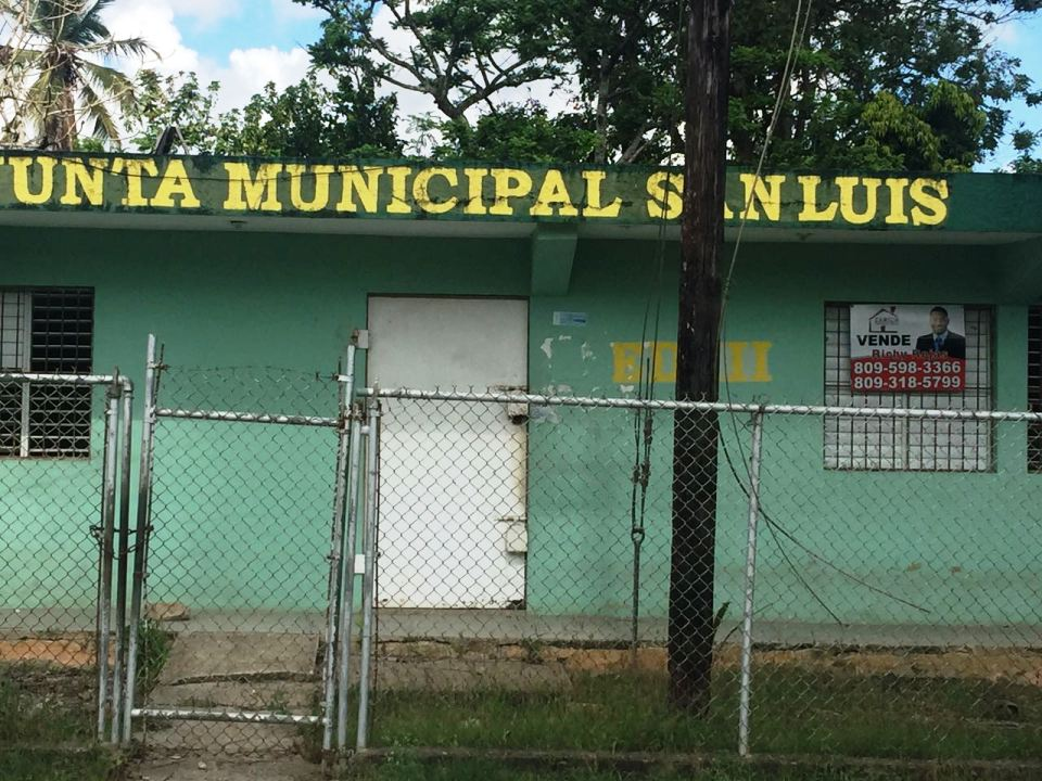 AMPLIO LOCAL EN VENTA EN SAN LUIS, SANTO DOMINGO ESTE.