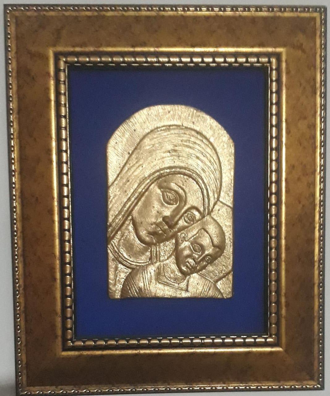 Virgen María Enmarcada y  Vitral